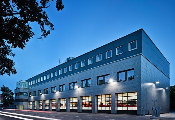eap Architekten und Stadtplaner, Energetische Fassadensanierung der Berufsfeuerwehr, Ingolstadt, Garage