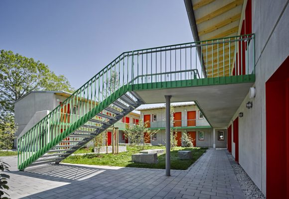 eap Architekten und Stadtplaner, Wohnungen für obdachlose Menschen, Landsberg Lech, Treppe