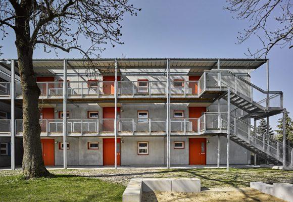 eap Architekten und Stadtplaner, Einfachstwohnen, Erding, Balkon, Treppe