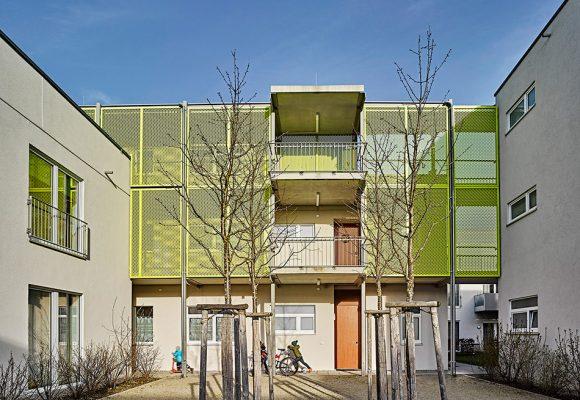 eap Architekten und Stadtplaner, Mehrgenerationenwohnen, Königsbrunn, Fassade Hof